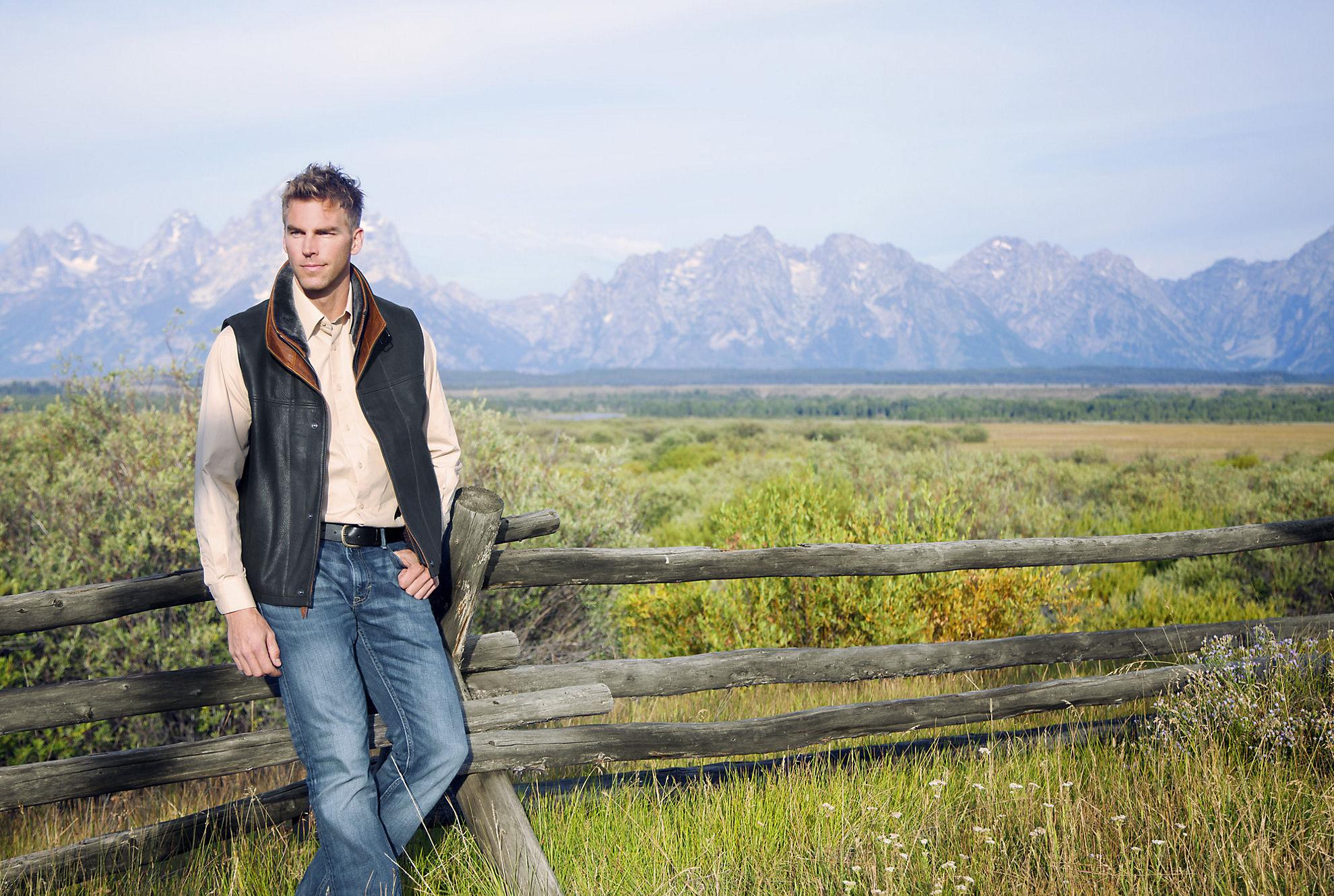 Trekker Goatskin Leather Vest with Merino Shearling Collar