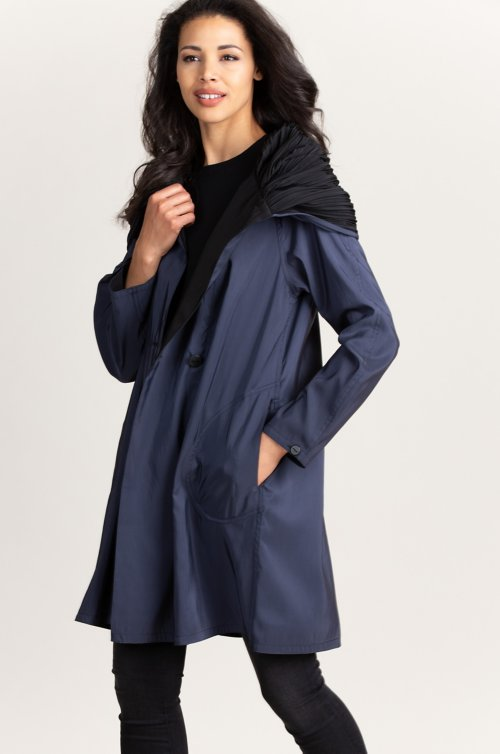 Donna Reversible Hooded Raincoat Jacket