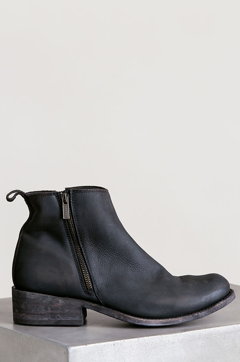 Men's Liberty Black Cayo Distressed Leather Ankle Boots