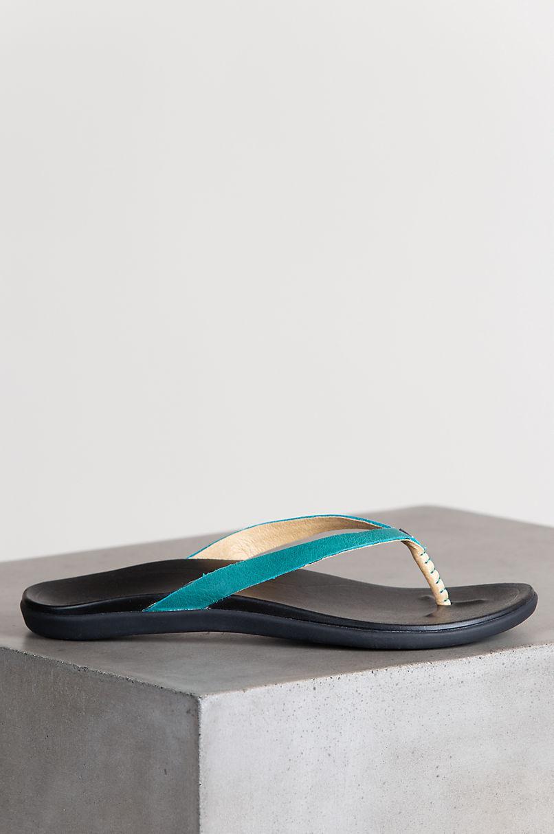Women's OluKai Hoopie Leather Sandals
