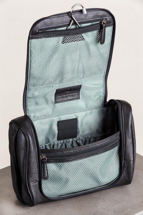 Springdale Hanging Argentine Leather Travel Kit