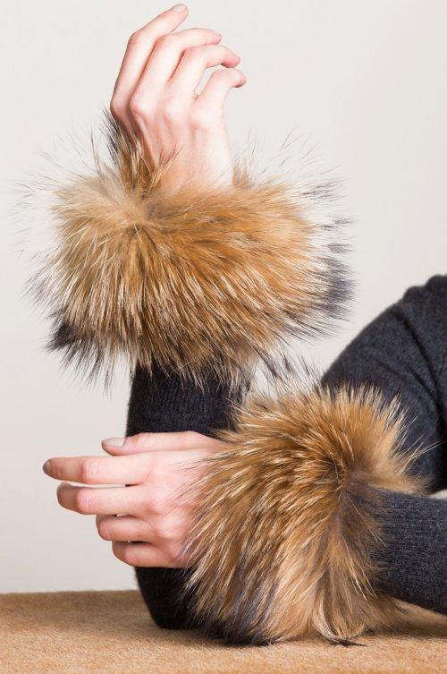 Women's Finnish Raccoon Fur Snap Cuffs