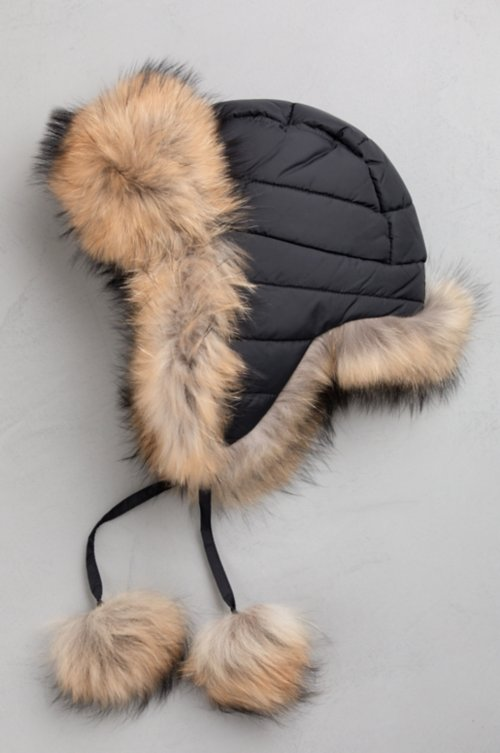 Oynx Trapper Hat with Raccoon Fur Trim