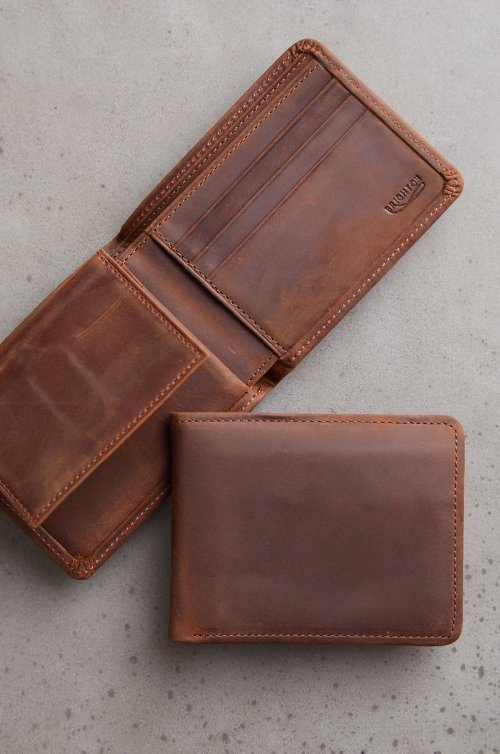 Vanderbilt Distressed Leather Billfold Wallet with Removable Passcase