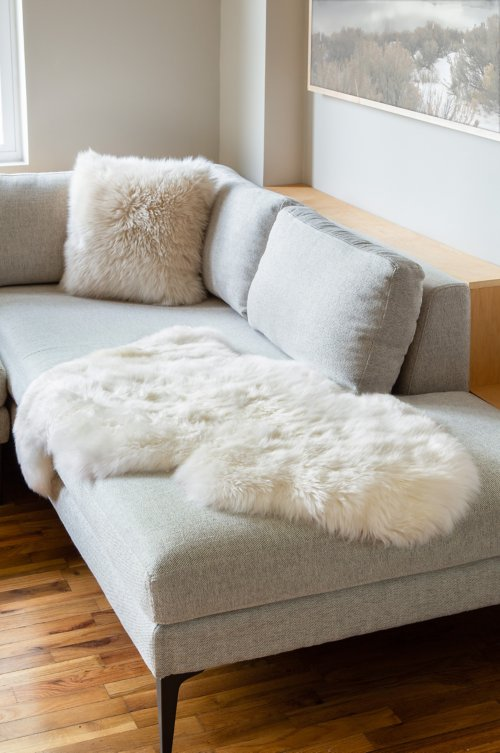 Single-Pelt (2' x 3.5')  Premium Australian Sheepskin Rug