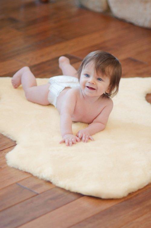 Short Wool Sheepskin Baby Rug