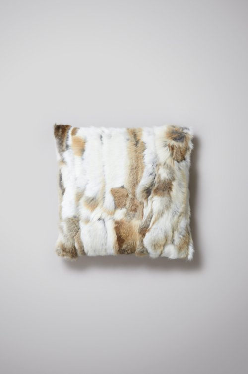 "16"" x 16"" Single-Sided Rabbit Fur Pillow"