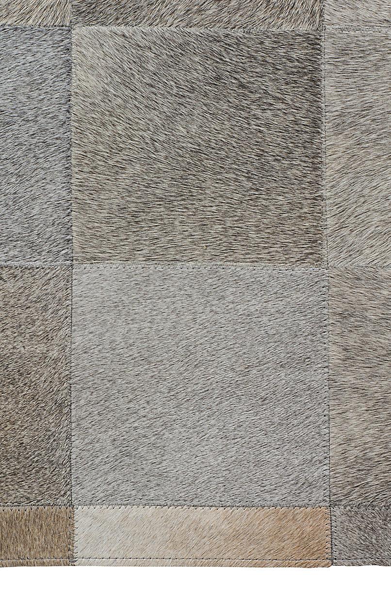 5' x 8' Almafuerte Patchwork Cowhide Rug