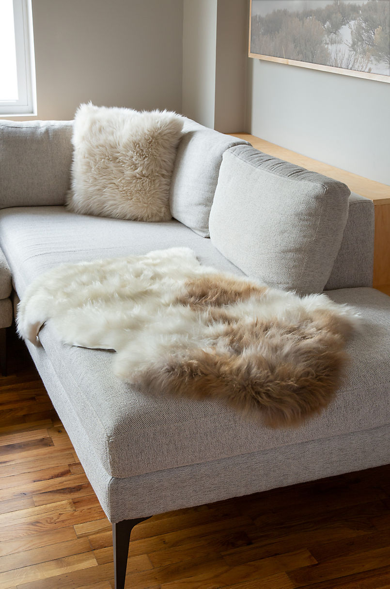 Single-Pelt (2' x 3.5') Himalayan Sheepskin Rug